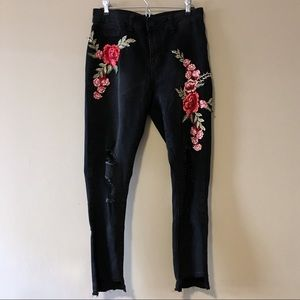 Rose Embroidered Destroyed Jeans
